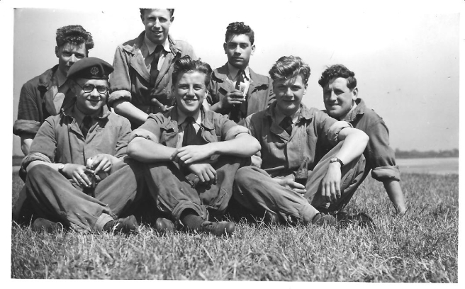 A_few_groundcrew_152_Sqdn_-_1954.1jpg