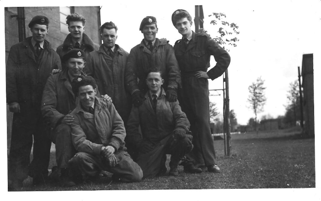 Some_groundcrew_152_Sqn_-_1954_RAF_Wattisham_2